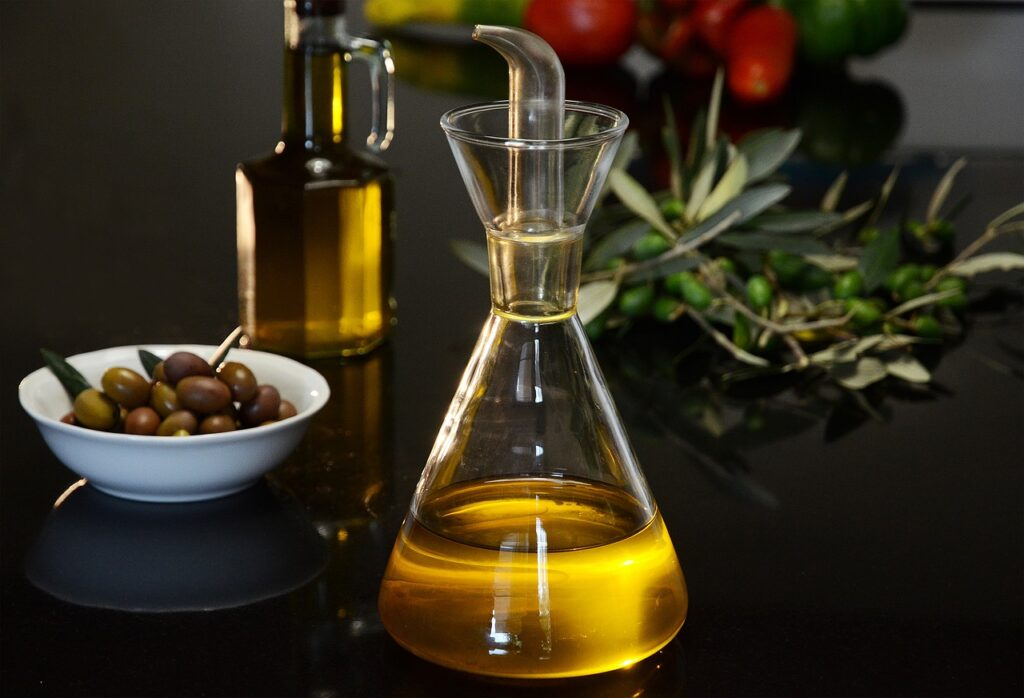 extra virgin olive oil 4403217 1280